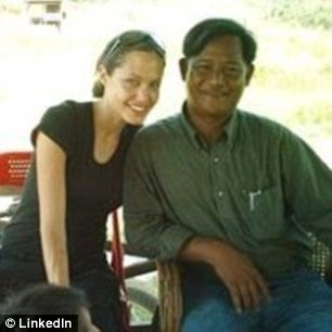 Angelina Jolie và Mounh Sarath