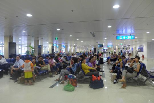 Bộ trưởng KH-ĐT: Nếu cần thì lấy đất sân golf mở rộng sân bay Tân Sơn Nhất - Ảnh 2.