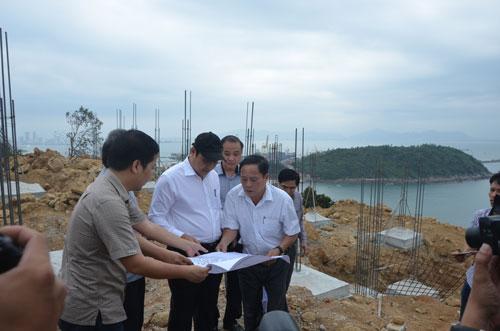 Lãnh đạo TP Đà Nẵng kiểm tra công trình khu nghỉ dưỡng trên bán đảo Sơn Trà vào chiều 19-3