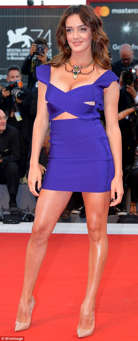 Jennifer Lawrence lộng lẫy tại LHP Venice - Ảnh 14.