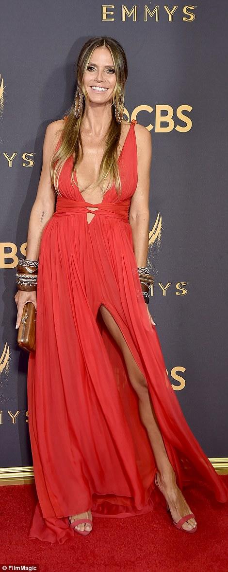 Sofia Vergara đánh cắp hào quang thảm đỏ Emmy - Ảnh 4.