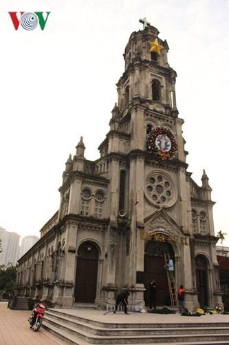 Những nhà thờ lý tưởng để đón Giáng sinh ở Hà Nội - Ảnh 2.