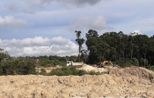 Núp bóng dự án, đào khoáng sản trái phép - Ảnh 1.