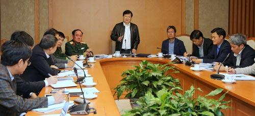 Phó Thủ tướng Trịnh Đình Dũng chủ trì cuộc họp về quy hoạch nâng cấp sân bay Tân Sơn Nhất Ảnh: XUÂN TUYẾN