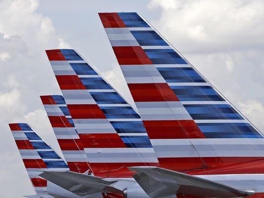 Một cơ phó của hãng hàng không American Airlines (Mỹ) bất tỉnh trong lúc hạ cánh. Ảnh: AP