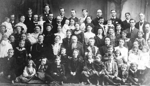 Bà Vassilyev đã sinh được 69 người con và có 67 người sống sót. Ảnh: Pinterest.