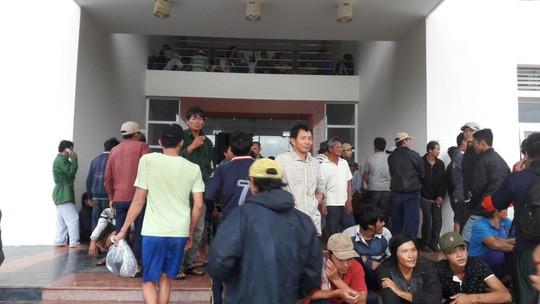 CLIP: Đã có 11 tàu cá bị vỡ ở Côn Đảo vì bão số 16 - Ảnh 4.