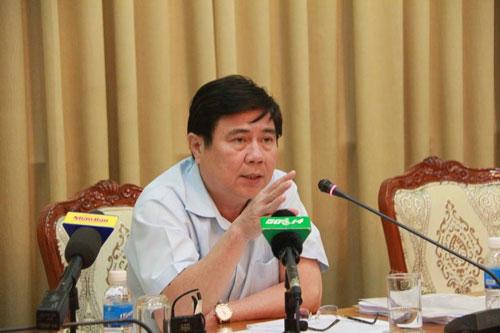 Chủ tịch UBND TP HCM Nguyễn Thành Phong chỉ đạo phải lập lại trật tự lòng, lề đường