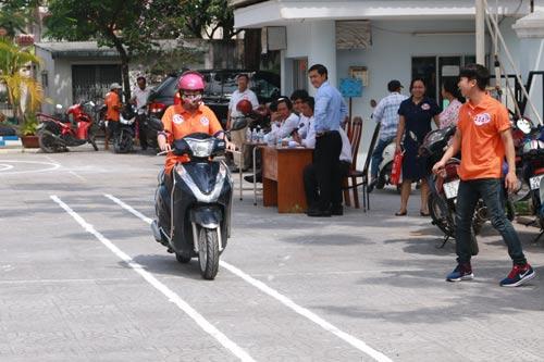 115 CNVC-LĐ thi Lái xe máy an toàn - Ảnh 1.
