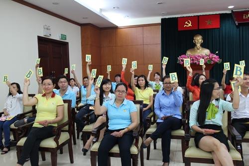 """Các thí sinh tham gia hội thi """"Cán bộ nữ công với kiến thức pháp luật"""" do Công đoàn Viên chức TP HCM tổ chức"""