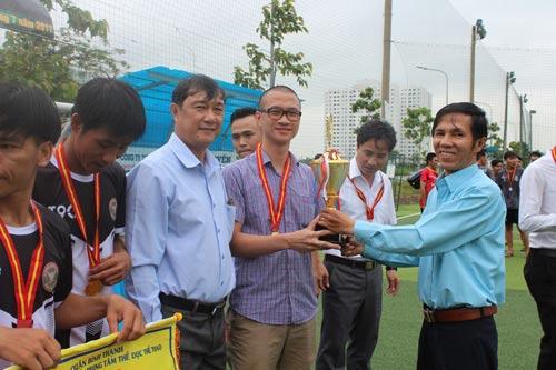 Hơn 700 CNVC-LĐ dự giải bóng đá mini - Ảnh 1.