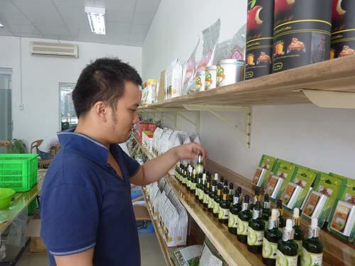 Người tiêu dùng chú ý đến sản phẩm tốt cho sức khỏe - Ảnh 1.