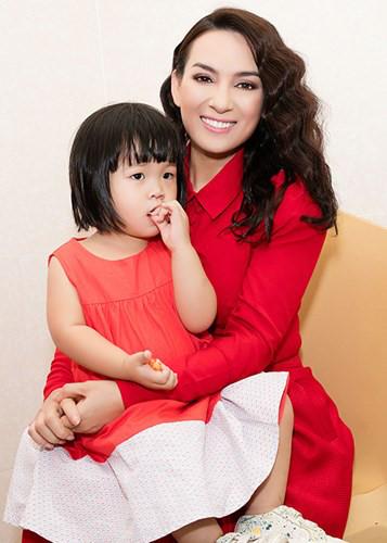 Ca sĩ Phi Nhung: Không thể lấy chồng vì quá đông con - Ảnh 5.