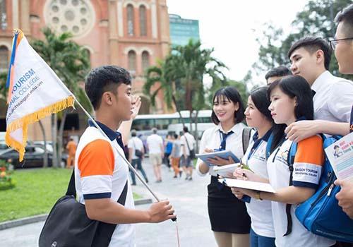 Một buổi thực tập của sinh viên Trường Cao đẳng nghề Du lịch Sài Gòn