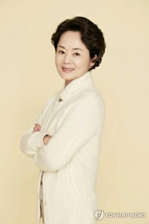 Nữ diễn viên gạo cội Kim Young Ae