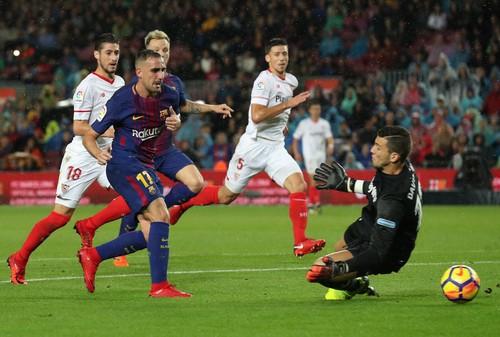 Người hùng Paco Alcacer giúp Barcelona nhấn chìm Sevilla - Ảnh 3.