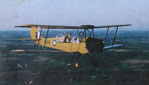 Hai chiếc máy bay của vua Bảo Đại - Ảnh 1.