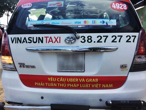 Taxi truyền thống... chơi lầy - Ảnh 2.