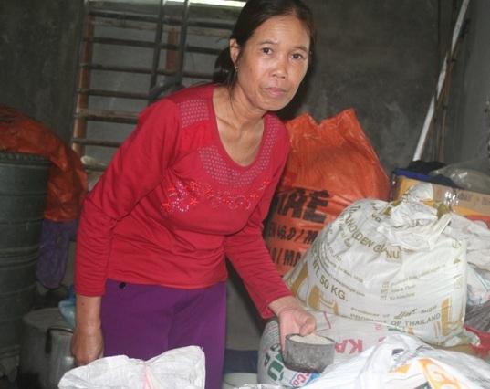 Cô giáo dạy 37 năm bật khóc khi nhận lương hưu 1,3 triệu đồng/tháng - Ảnh 1.