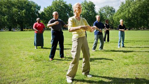 Tập thái cực quyền tốt cho người cao tuổi Ảnh: EVERYDAY HEALTH