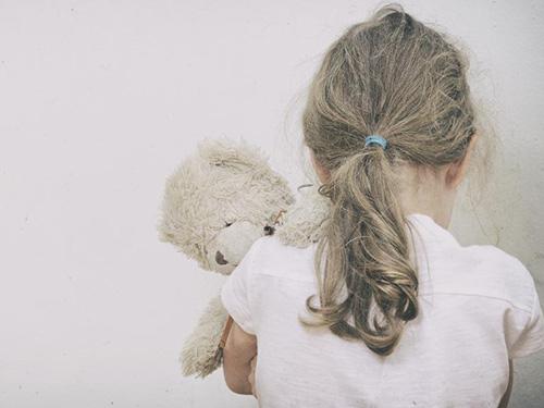 Hậu quả bị lạm dụng tình dục còn kéo dài đối với sức khỏe của các bé gái Ảnh: HERALD SUN