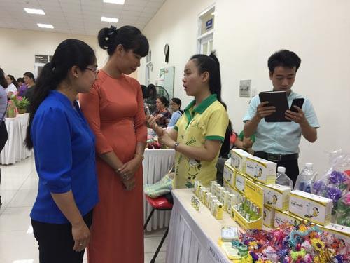 Phụ nữ tham gia bảo vệ môi trường - Ảnh 1.