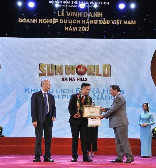 Sun World Ba Na Hills tiếp tục được vinh danh Khu du lịch hàng đầu Việt Nam - Ảnh 1.