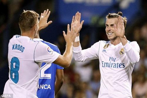 Thẻ đỏ Ramos phá hỏng ngày khai mạc của Real Madrid - Ảnh 7.