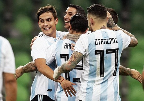 Argentina thua thảm Nigeria, Tây Ban Nha hòa chật vật chủ nhà World Cup - Ảnh 1.