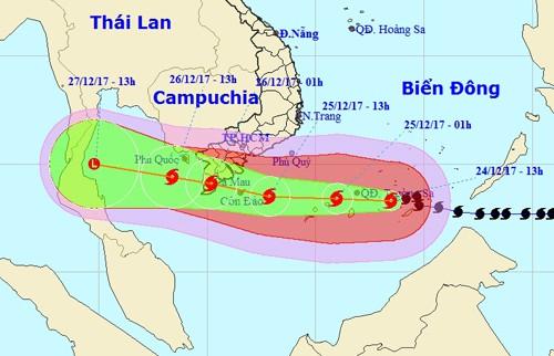 Bão số 16 vào Nam Bộ ban đêm, sóng biển cao 7-9 m - Ảnh 1.