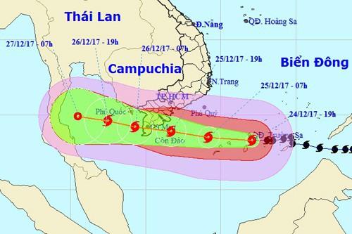 Ứng phó bão số 16: Chủ tịch UBND TP HCM yêu cầu không được chủ quan - Ảnh 1.