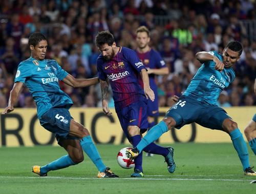Nhận giải Pichichi và Di Stefano, Messi quyết đấu siêu kinh điển - Ảnh 5.
