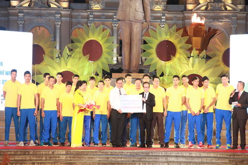 TP HCM khen thưởng hơn 2,2 tỉ cho HLV-VĐV SEA Games 2017 - Ảnh 14.
