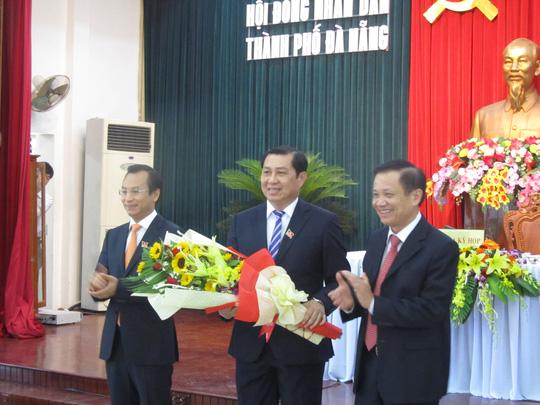 Con đường thăng tiến của Bí thư, Chủ tịch TP Đà Nẵng - Ảnh 1.