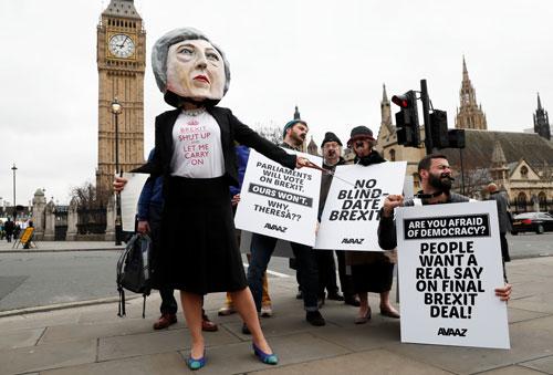 Biểu tình chống Brexit ở London ngày 29-3 Ảnh: REUTERS