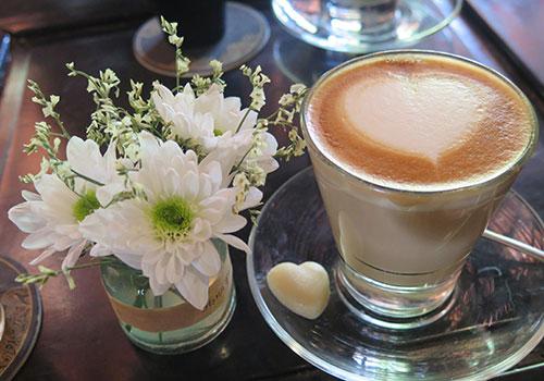 Caffeine - Bạn và thù - Ảnh 1.