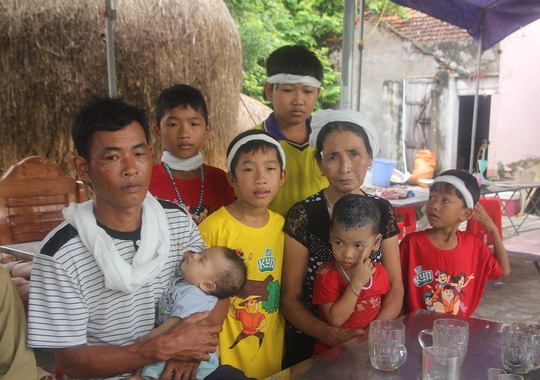 Chị Hoàng Thị Hảo (ngụ xóm 2, xã Hưng Trung, huyện Hưng Nguyên, Nghệ An) chết do chó dại cắn để lại 6 đứa con bơ vơ - Ảnh: Đức Ngọc