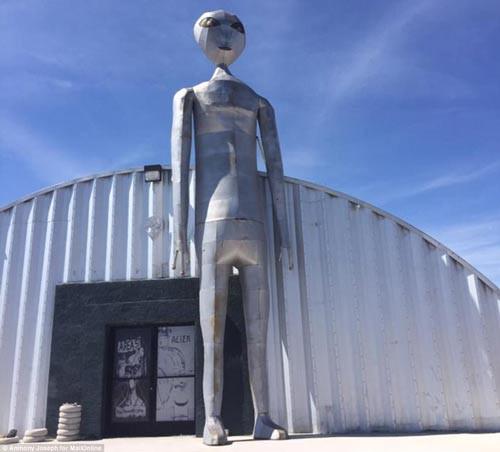 Chương trình bí mật của Lầu Năm Góc: Khám phá bang UFO Nevada - Ảnh 1.