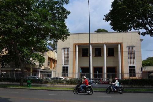 """Khu """"đất vàng"""" số 23 Lê Duẩn, quận 1, TP HCM (trụ sở cũ của Công ty XSKT TP HCM) mới được bán đấu giá đến 1.430 tỉ đồng so với giá khởi điểm là 558 tỉ đồng Ảnh: Tấn Thạnh"""
