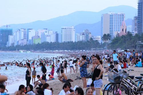 Nhiều bãi biển sẽ thu hút nhiều du khách trong dịp nghỉ lễ 30-4 Ảnh: Kỳ Nam
