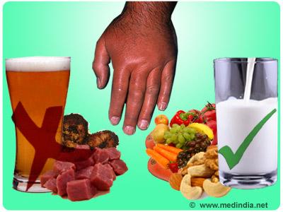 Bệnh nhân gút nên ăn nhiều chất xơ, kiêng thịt đỏ, thức uống có cồn và một số loại hải sản Ảnh: MEDINDIA