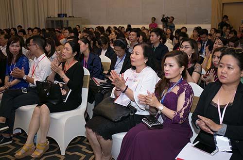 """Các nữ doanh nhân tham gia """"Diễn đàn quốc tế phát triển kinh doanh thành công xuyên biên giới"""""""