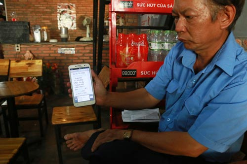 Trong tin nhắn của ngân hàng về việc chi lương cho ông Trần Ngọc Phú thể hiện đơn vị chi lương là Công ty CP Hưng Long