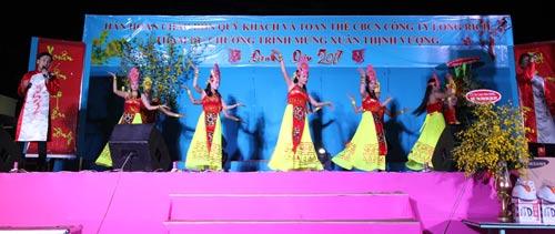 Chương trình văn nghệ Mừng Xuân Đinh Dậu của Công ty TNHH Long Rich - KCX Linh Trung 2 (quận Thủ Đức, TP HCM)