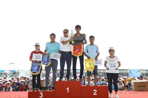 Ngoài giờ làm việc, nhân viên Công ty Hansae Việt Nam còn tham gia những hội thao để tăng cường thể chất