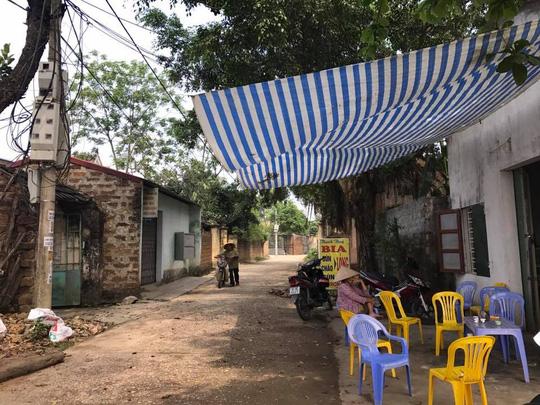 Một con đường làng ở xã Đồng Tâm ngày 20-4 - Ảnh: Văn Duẩn