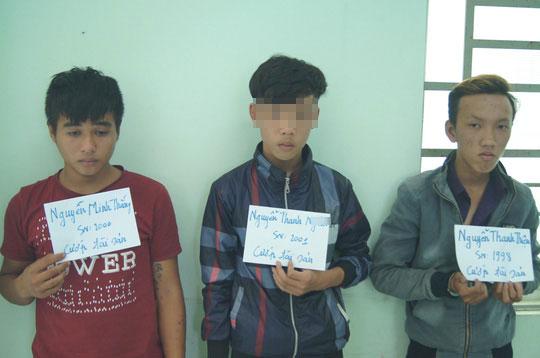 Nhóm cướp tại cơ quan công an