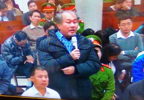Bị án Phạm Công Danh đối chất với Hà Văn Thắm chiều 28-2 - Ảnh chụp qua màn hình