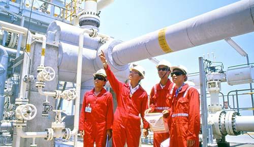 """Ngành kỹ thuật dầu khí có còn """"hot""""? - Ảnh 1."""