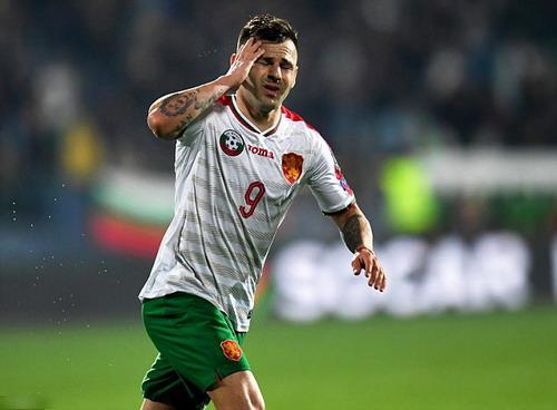 Spas Delev tỏa sáng với cú đúp ở Sofia